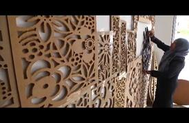 """فن """"الحفر على الخشب"""" لا يقتصر على الرجال في غزة"""